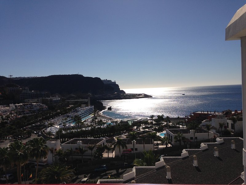 Beautiful apartment in Playa de Cura, with breathtaking sea views, aluguéis de temporada em Mogan