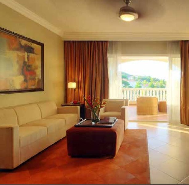 Sala-de-estar. mobília da sala pode variar.