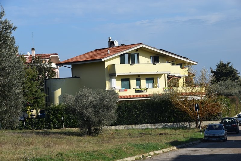 Villino LaMa, holiday rental in Citta Sant'Angelo