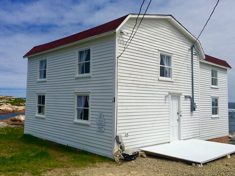 The Old Salt Box Co. Aunt Christi's, holiday rental in Newfoundland and Labrador