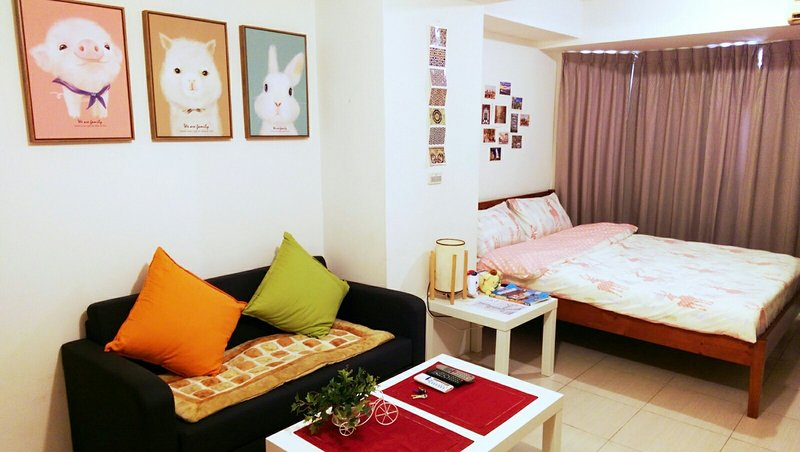 Annie's lovely pink studio, vacation rental in Lingya