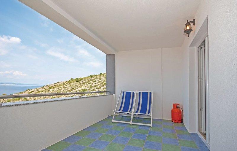 Beautiful apt with sea view & Wifi, holiday rental in Vratarusa