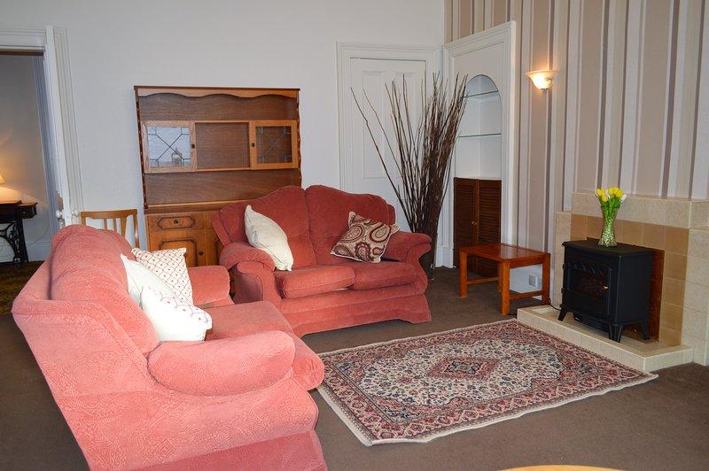 Alexandria Apartment, ground floor terrace, great value for money., Ferienwohnung in Dunoon