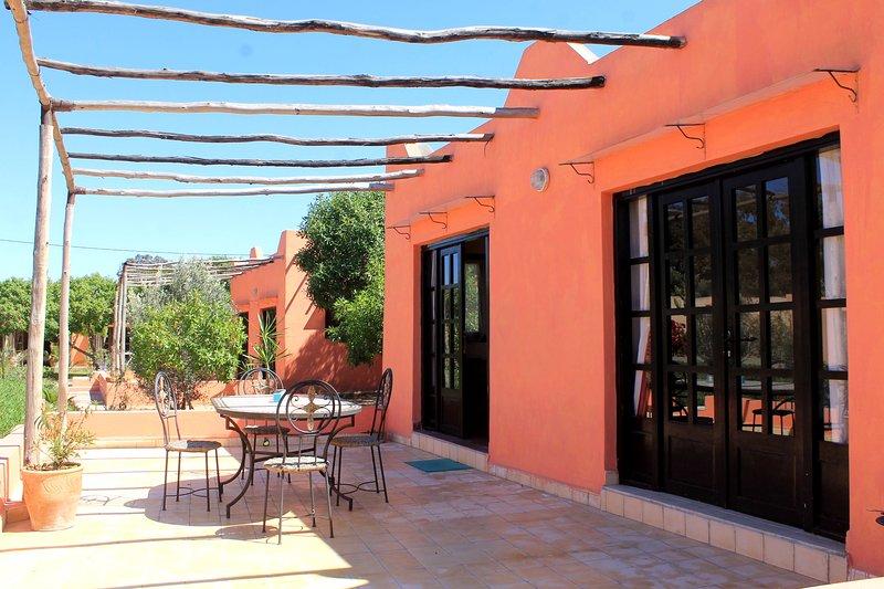 chambres dans maison typique marocaine, alquiler de vacaciones en Ait Melloul