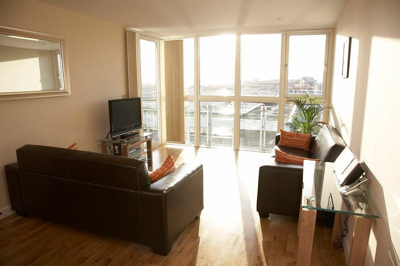 Shortletting by Centro Apartments - Theatre District MK - No. 503, holiday rental in Milton Keynes