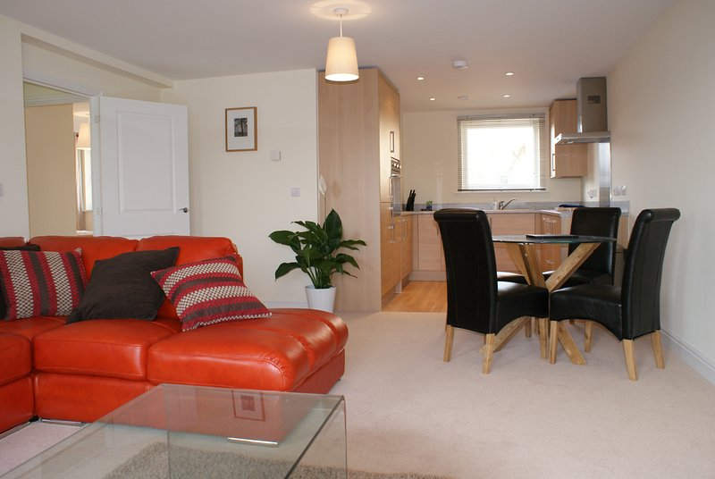 Shortletting by Centro Apartments - Bletchley MK - No. 26, holiday rental in Whaddon