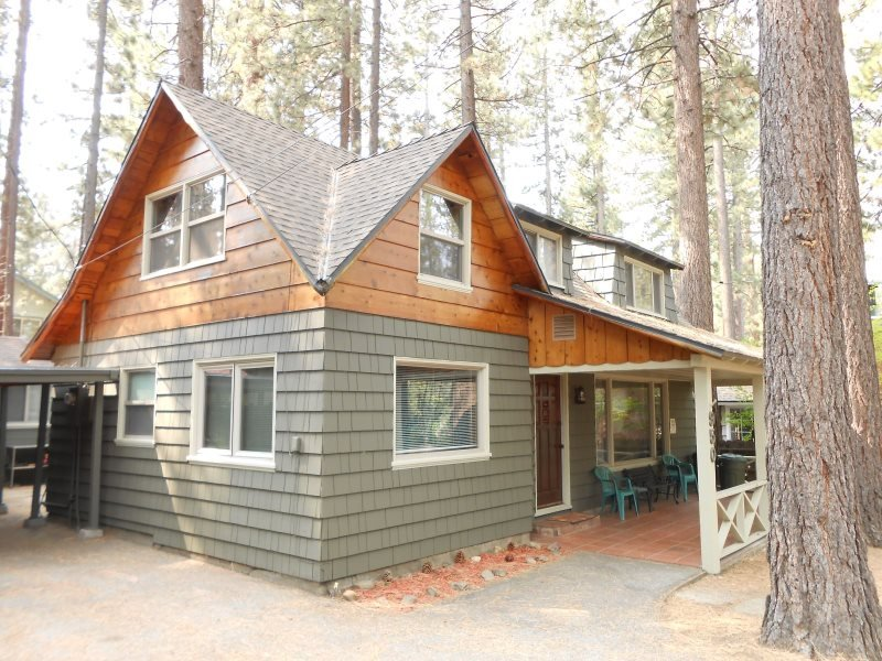 V52-Across the street from the lake! Close to public beaches, bike trails, walk, vacation rental in Markleeville
