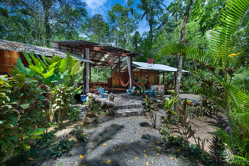 The Long Dream house of Congo Bongo EcoVillage Costa Rica., vacation rental in Province of Limon