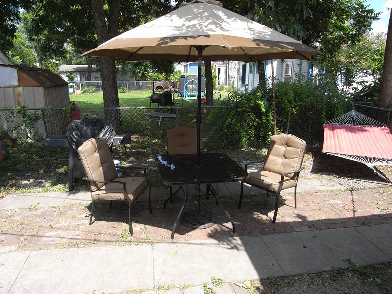 patio avec barbecue