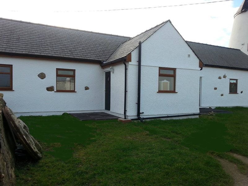 Felin Farm Cottages, Anglesey, The Dairy, holiday rental in Rhosneigr
