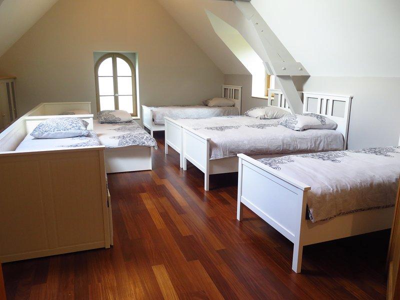 Arriba de la habitación 3: 6-8 camas individuales 90x200 / Cámara de 3: 6-8 camas individuales 90x200