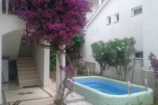 Hotel style Guest house with swimming pool at Adriatic sea, alquiler de vacaciones en Budva
