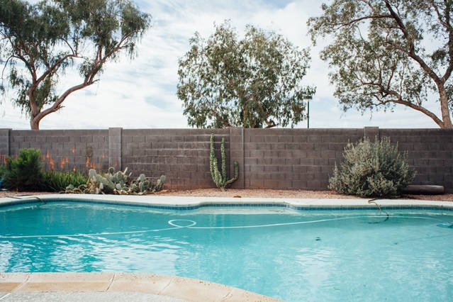 Centrally Located 4BR with Large Yard and Pool, vacation rental in Mesa