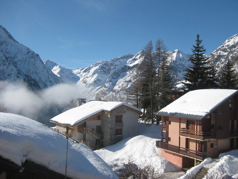 Nice apartment with mountain view, holiday rental in Saint-Christophe-en-Oisans