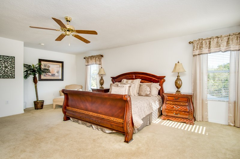 Massive Master Suite 1 (King Bed)