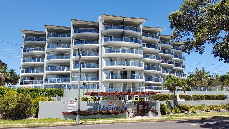 101 fond Tingeera, droit appartement de côté, vue sur piscine et vue sur l'océan