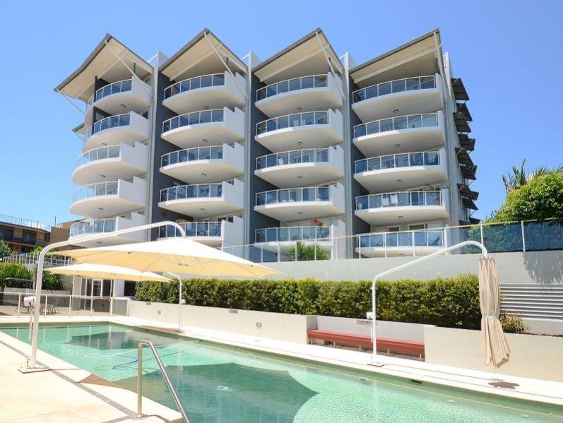 Tingeera 101 jardin privé et terrasse donnant sur la piscine et un spa avec vue sur l'océan