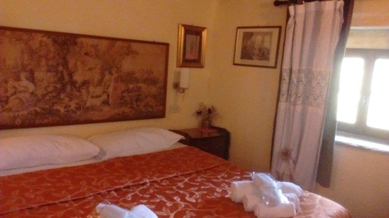 CAMERA MONTAGNANA E SAMBUCA, holiday rental in Palazzuolo Sul Senio