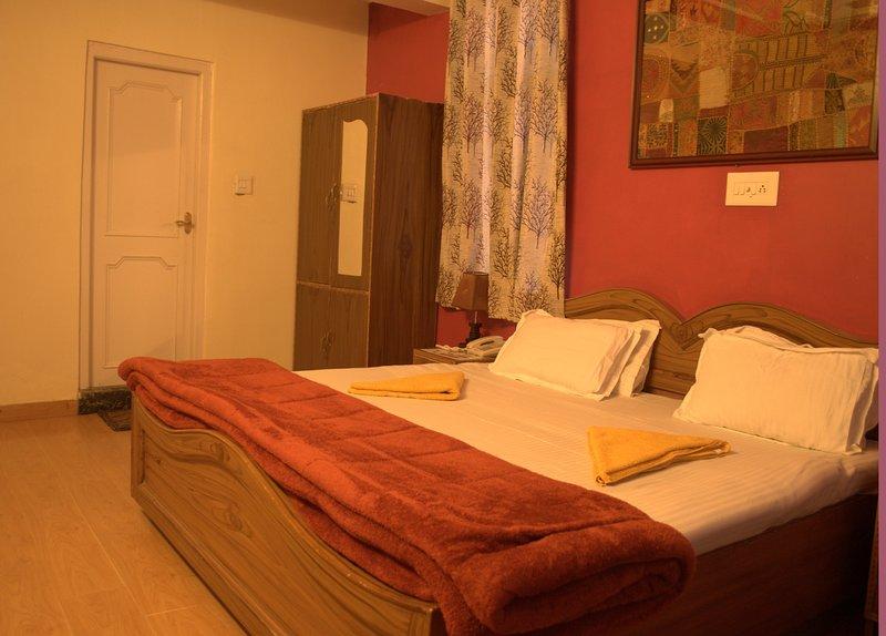 hotel snow crest inn pvt ltd, vacation rental in McLeod Ganj