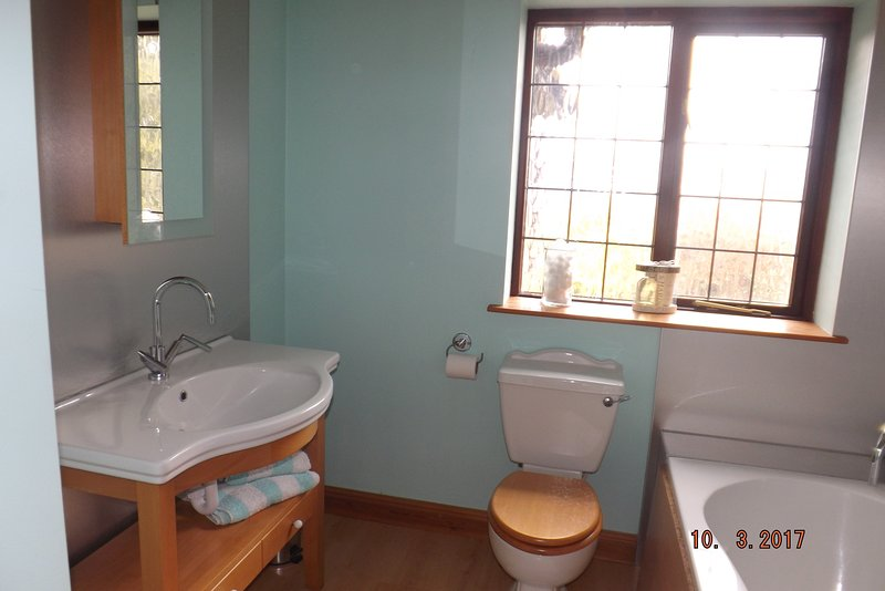 Familie Badezimmer ist hell und modern