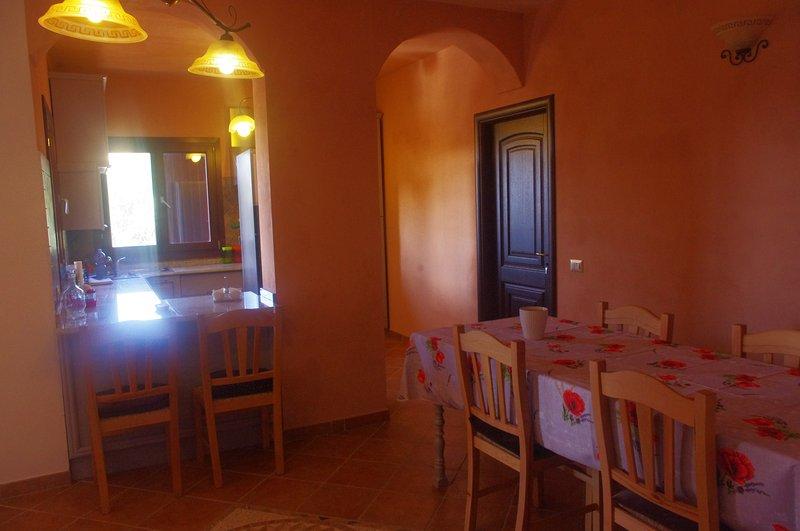 Kitchen and breakfast corner