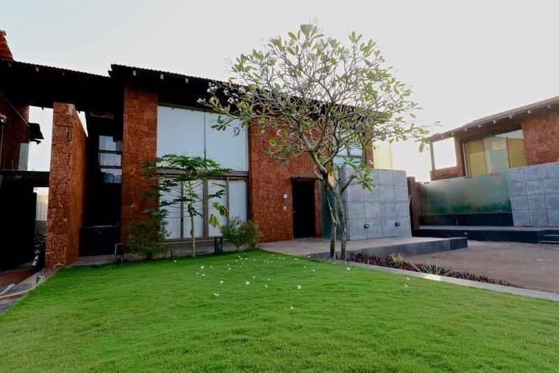 4 Bedroom Luxury Dream villa, vacation rental in Candolim