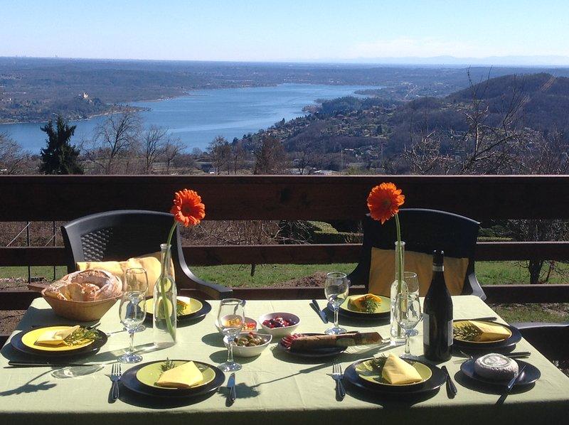Gardenpark Soleil  Nebbiuno  Lago Maggiore Villa 6 camere, holiday rental in Fosseno
