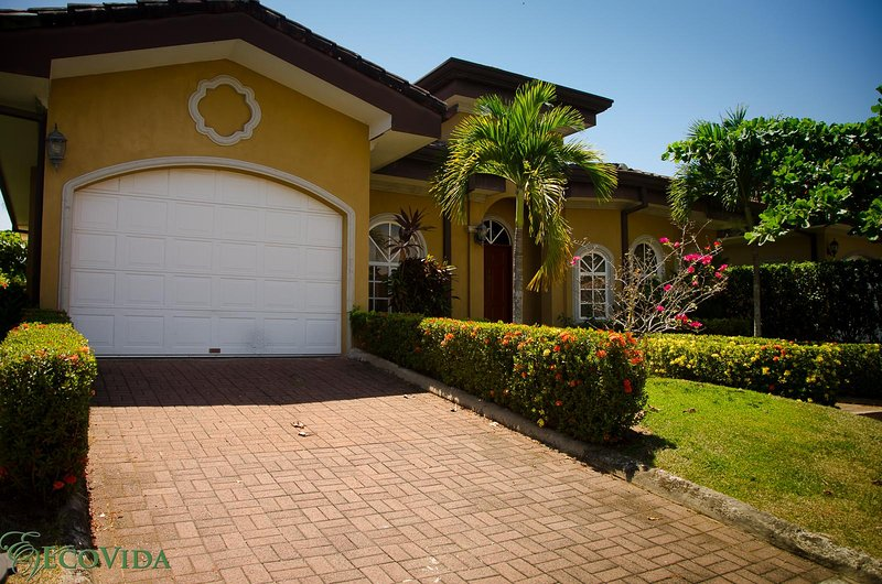 Casa Miguel has 3 bedrooms, 3 bathrooms and a garage!