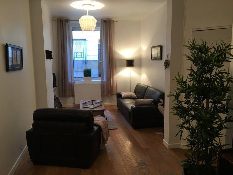 Bordeaux centre historique, Duplex de charme pour 2 personnes, vacation rental in Bruges