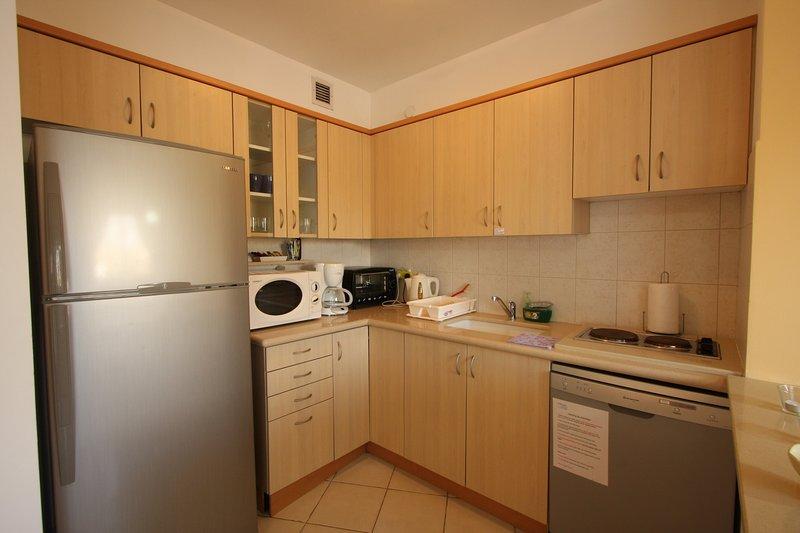 Beautiful Vacation Apartment - Hertzlia Pituach!, aluguéis de temporada em Ra'anana