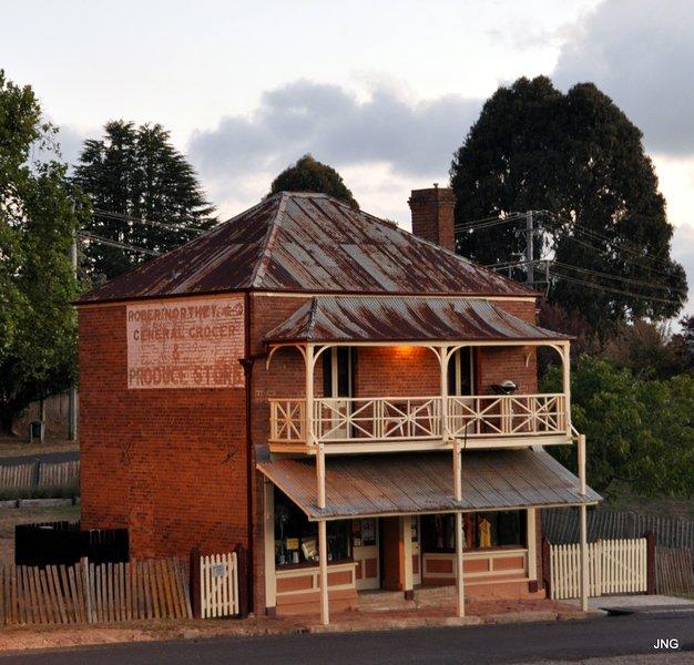 La terraza Northeys icónica, alrededor de 1873. Situado en el corazón del histórico pueblo de Hill End.