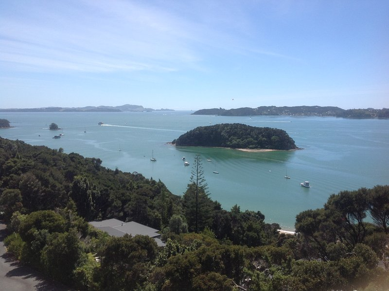 Panorama Heights Apartment, holiday rental in Rawhiti