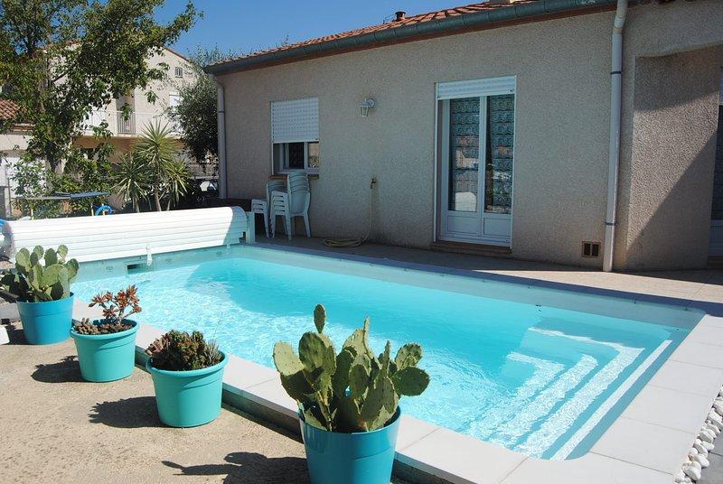 Charmante VILLA tout confort avec piscine, entre mer et montagne, holiday rental in Le Boulou