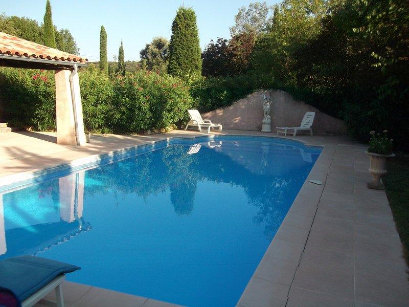 Tres grande piscine