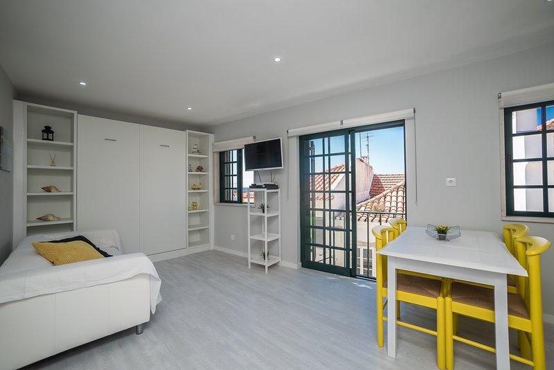 Yellow house - wifi, location de vacances à Sesimbra
