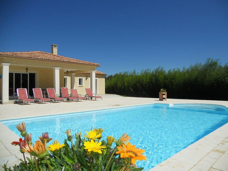 Villa - Gîte Rural 4 étoiles - Piscine privée chauffée et sans vis à vis, holiday rental in Saint-Maurice-de-Cazevieille
