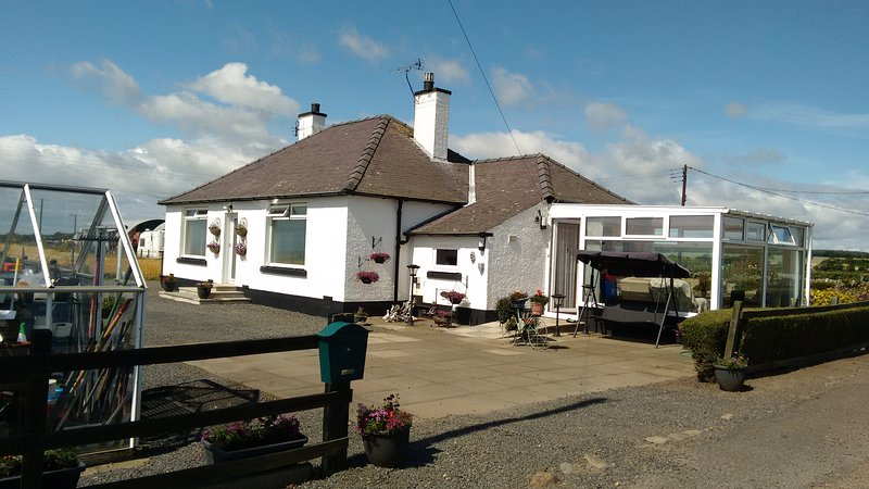 Lovely country bungalow in East Neuk of Fife. Near to St Andrews., holiday rental in Anstruther