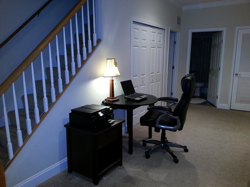 Office Station w/Chair