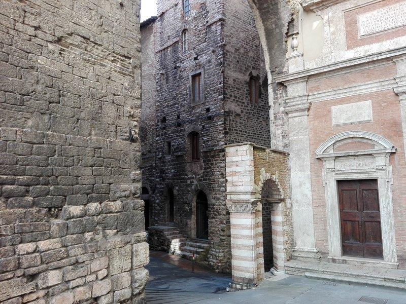 DENTRO LA TORRE, location de vacances à Perugia