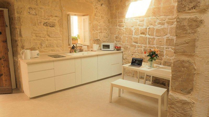 Bartolomew 500 Year old House of Character, vacation rental in Mdina