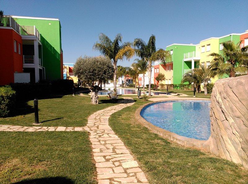 Apartamento nuevo, 4 piscinas – semesterbostad i El Verger