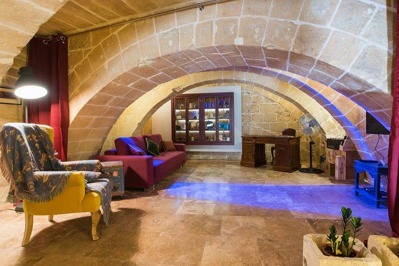 1 Bedroom Heritage Apartment, vacation rental in Qrendi