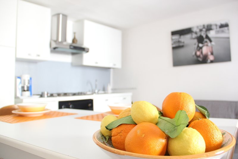 Charming independent apartment + box auto, vacation rental in Aidone