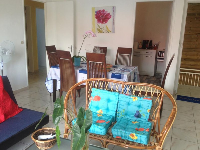Appartement F3, vacation rental in Petite-Ile
