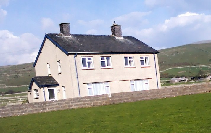 Tyddyn Mawr Farmhouse, holiday rental in Talybont
