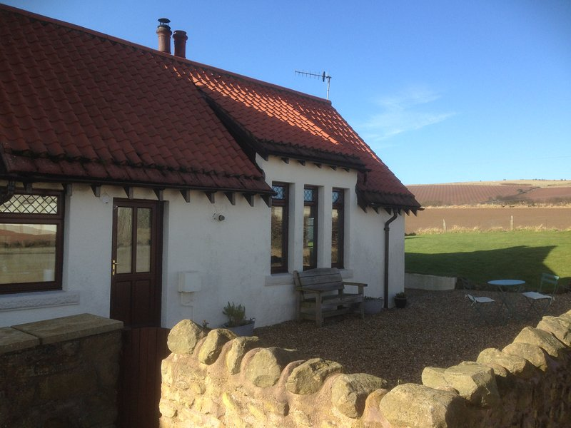 Haven Cottage (by the sea), holiday rental in Borders