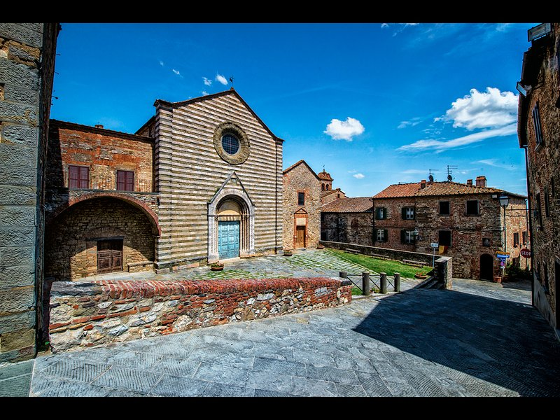 Main square of Lucignano, one of Tuscany's Medieval gems, just minutes away...