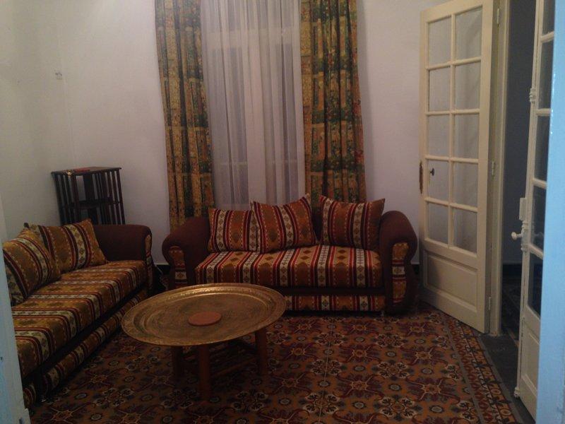 Appartement dans immeuble hausmanien maison de l hospitalite, vacation rental in Alger Centre
