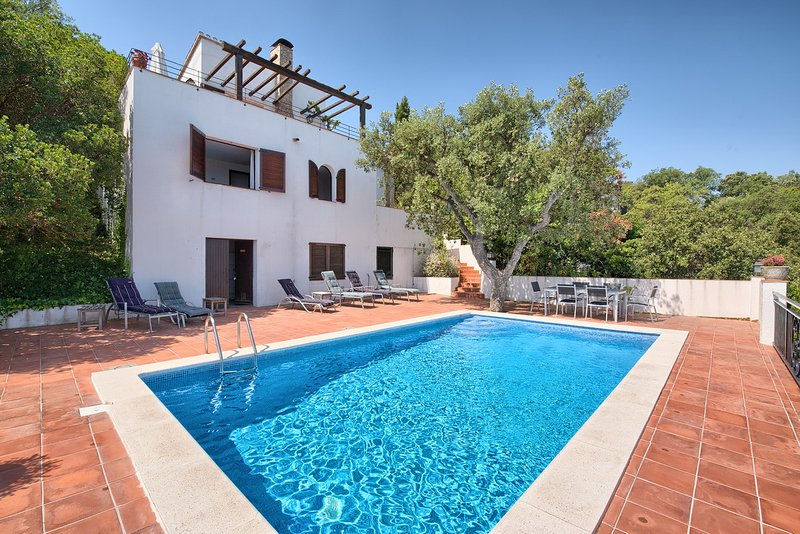 Villa for 6 people in Begur with wonderful Sea View, Private Pool and WIFI!, holiday rental in Begur