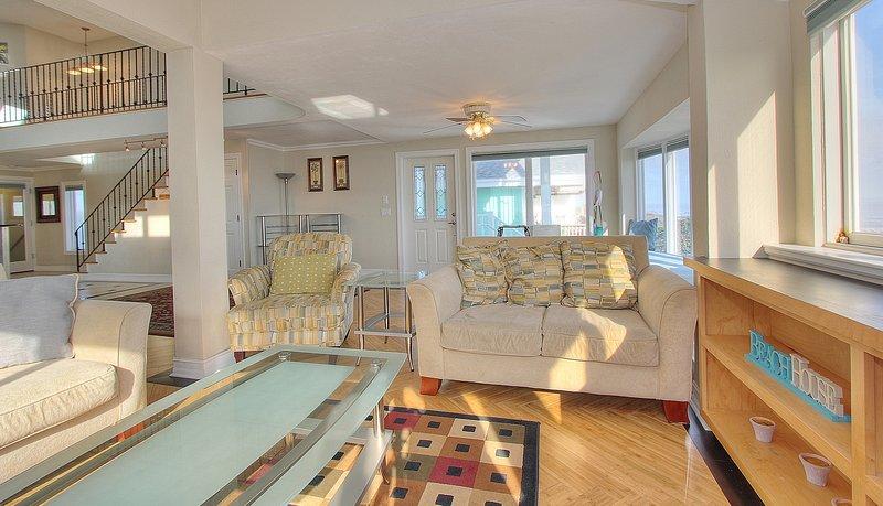 1703 Beach House in Flagler Beach has a cozy Ocean front living room area